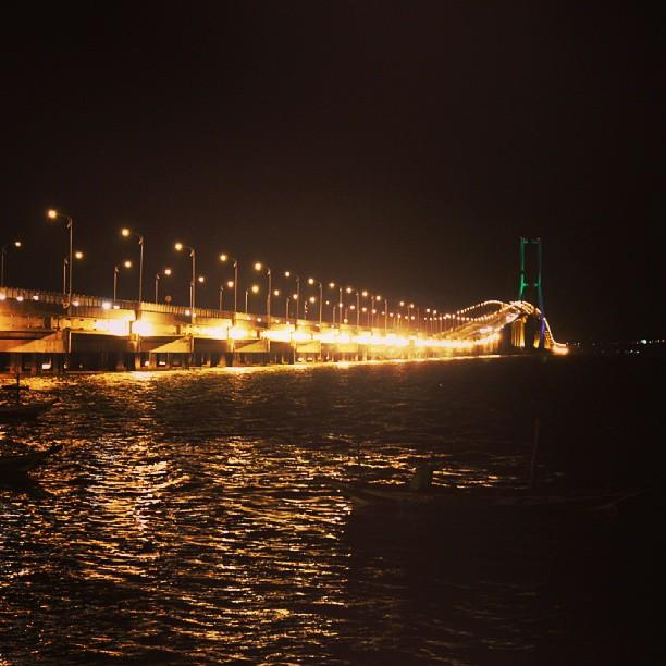 スラマドゥ大橋@スラバヤ - バリ島インスタグラム