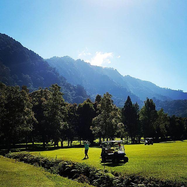 バリ ハンダラはバリで唯一コース内カート乗入れOKのゴルフ場です。#ゴルフ#バリハンダラ#ゴルフスタグラム#ゴルフ好き#ゴルフ旅行#海外ゴルフ#balihandara #baligolf#golf#golfstyle #golfstagram #golfindonesia #indonesiagolf - バリ島 ゴルフ